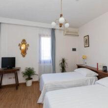 hotel-villa-bonelli-standard-03-camera
